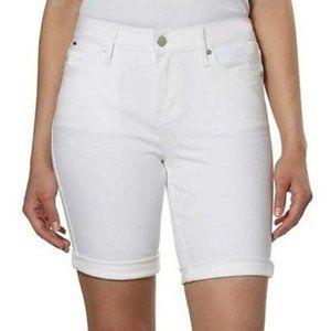 NWT Calvin Klein Women's Bermuda White Short 4